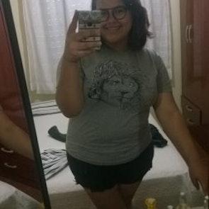 Roberta Gomes da  com a camiseta Camiseta Tyrion Lannister
