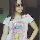 Dayane Emily Rodilha veste Camiseta Central Perk