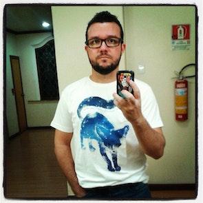 José francisco com a camiseta Camiseta Pequeno Príncipe