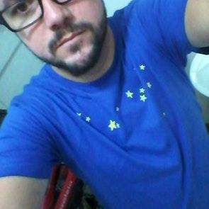 José francisco com a camiseta Camiseta Sonhador