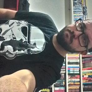 José francisco com a camiseta Camiseta Stormtrooper