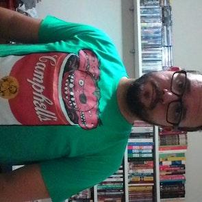 José francisco com a camiseta Camiseta Camphell's