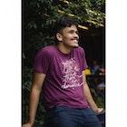 Nicolas Tomaz da Silva veste Camiseta As Vantagens de Ser Invisível