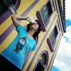 Mayra Medeiros  Medeiros  veste Camiseta Amélie Poulain