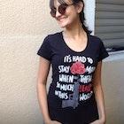 Sarah Carvalho Couto veste Camiseta American Beauty