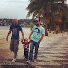 Raphael Souza Cardoso  veste Camiseta Woody Allen