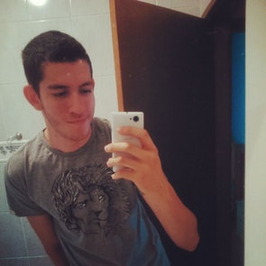 Álvaro A. com a camiseta Camiseta Tyrion Lannister