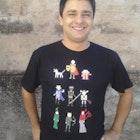 Renan Costa Silva Penna  veste Camiseta Caverna do Dragão