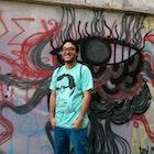 Maurício Oliveira Coelho veste Camiseta Woody Allen