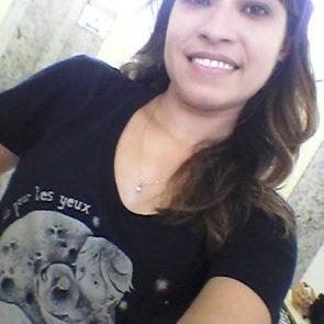 Glauce com a camiseta Camiseta Le Petit Prince
