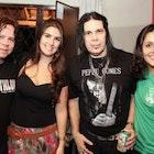 Nicolle Rezende Bello veste Camiseta Novos Baianos