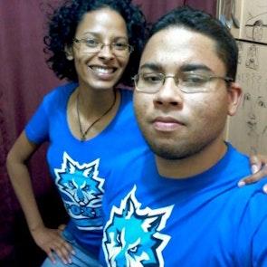 Flávia com a camiseta Camiseta Foxes