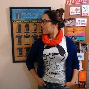Lencia com a camiseta Camiseta Woody Allen
