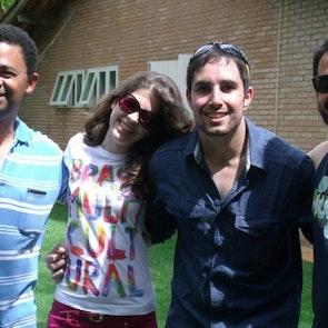 Ana com a camiseta Camiseta Brasil Multicultural