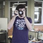 Matheus Calligaris veste Camiseta Fotografar é uma Arte