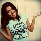 Larissa Ellen Oliveira de Lima veste Camiseta E Agora, José?