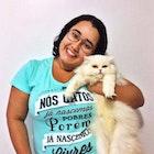 Lidiane  Oliveira veste Camiseta História dos Gatos