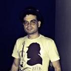 Rodrigo Fernandes de Rezende veste Camiseta Sherlock Holmes