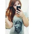 Fabiana Barbosa veste Camiseta Stark