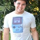 Humberto Oliveira Junior veste Camiseta Hardest Decision