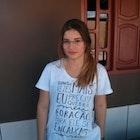 Daniele Leão veste Camiseta Coração