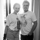 Joao Henrique Machado Pinotti  veste Camiseta Everybody Hates Joffrey