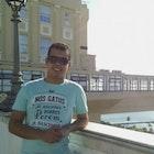 Rafael Roseno Barbosa veste Camiseta História dos Gatos