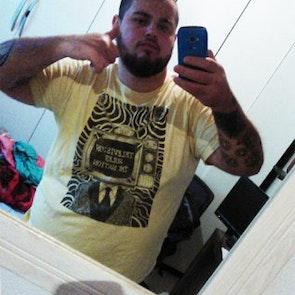 leonardo com a camiseta Camiseta Television