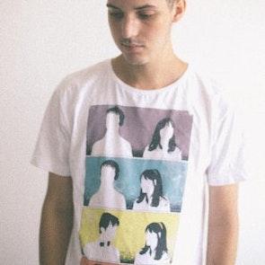 Alan roger com a camiseta Camiseta 500 Dias Com Ela