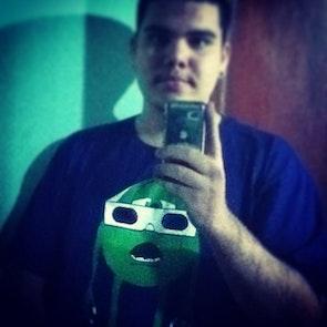 Paulo Henrique com a camiseta Camiseta 3D Vision