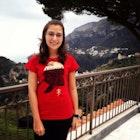 Isabela Souza veste Camiseta Tolkien